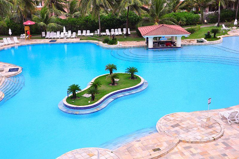 Vista aérea da piscina central e seus detalhes