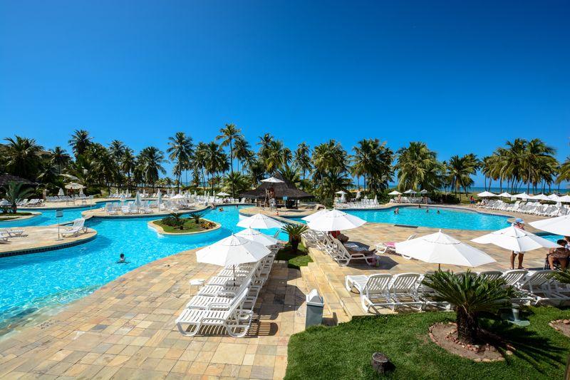 Vista panorâmica da piscina