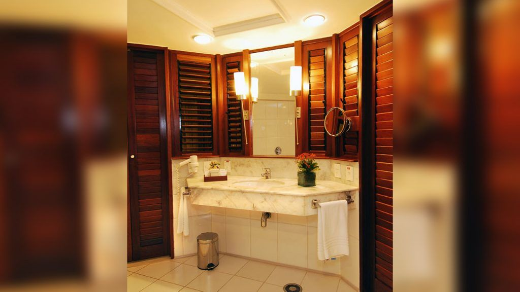 Banheiro Suíte Tripla com secador e amenities